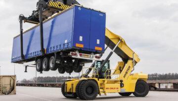 Zmniejszona częstotliwość wymiany oleju w ciężkich wózkach widłowych Hyster®