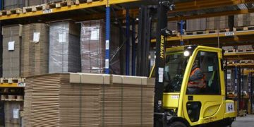 Transport gotowych produktów z papieru