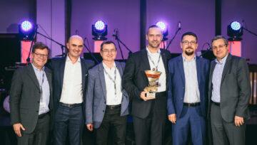 Zeppelin Polska Sp. z o.o., otrzymuje nagrodę za wyjątkowe wyniki w sprzedaży maszyn i części Manitou w roku 2018.