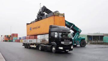 Wózek kontenerowy Reachstacker od Hyster®, zwiększa wydjaność operacji przeładunkowych w niemieckiej firmie Bayernhafen z Bamberg