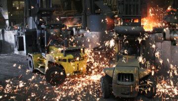Wytrzymałe wózki widłowe Hyster, pokonują wysokie temperatury w odlewni metali